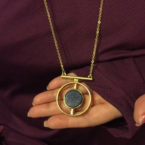 Jewelry - NWOT, yellow gold tone necklace with dark navy.